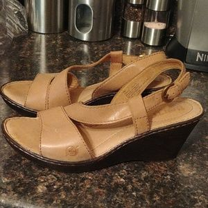 Born beige leather wedge sandals 7